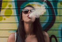 Fumeuse cigarette