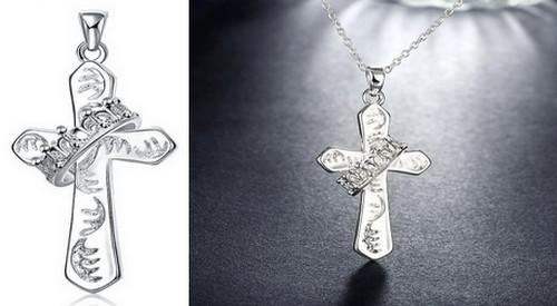 Pendentif Croix Chrétienne Femme