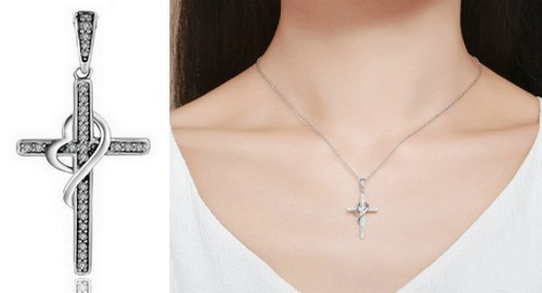 Pendentif Croix Femme Diamant